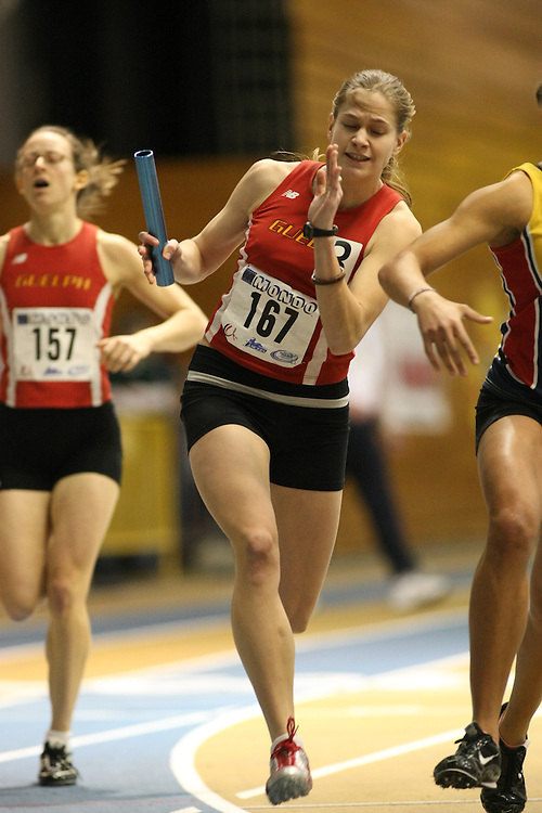Windsor, Ontario ---13/03/09--- Sarah Peirce of  the University of Guelph competes in the 4 X 200 meter relay at the CIS track and field championships in Windsor, Ontario, March 13, 2009..GEOFF ROBINS Mundo Sport Images