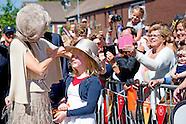 Koningin Maxima geeft donderdagochtend 9 juni in Urk het startsein voor Burendag