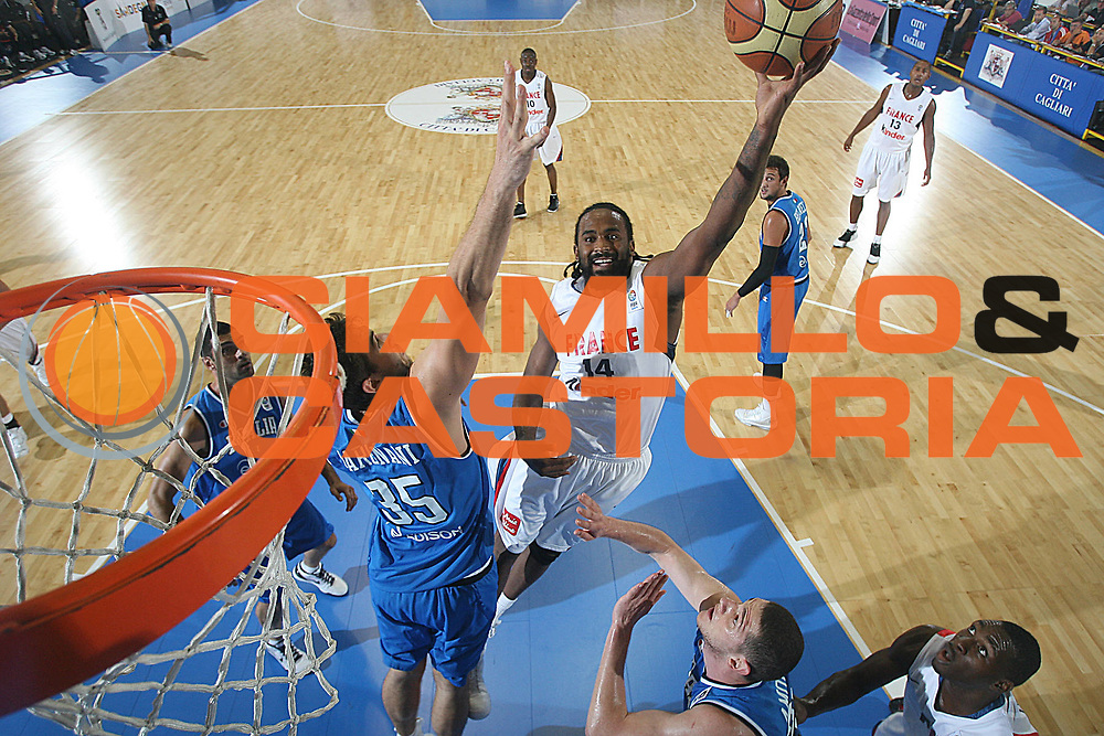 DESCRIZIONE : Cagliari Eurobasket Men 2009 Additional Qualifying Round Italia Francia<br /> GIOCATORE : Ron Turiaf<br /> SQUADRA : Francia France<br /> EVENTO : Eurobasket Men 2009 Additional Qualifying Round <br /> GARA : Italia Francia Italy France<br /> DATA : 05/08/2009 <br /> CATEGORIA : super tiro special<br /> SPORT : Pallacanestro <br /> AUTORE : Agenzia Ciamillo-Castoria/C.De Massis<br /> Galleria : Eurobasket Men 2009 <br /> Fotonotizia : Cagliari Eurobasket Men 2009 Additional Qualifying Round Italia Francia Italy France<br />  Predefinita :
