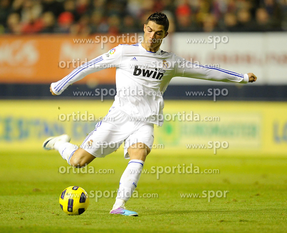 30.01.2011, Estadio Reyno de Navarra, Pamplona, ESP, Primera Division, CA Osasuna vs Real Madrid, im Bild Cristiano Ronaldo // during the primera division liga match CA Osasuna vs Real Madrid at Estadio Reyno de Navarra, Pamplona, Spain, 30/1/2011. EXPA Pictures © 2011, PhotoCredit: EXPA/ Alterphotos/ Ricardo Ordonez +++++ ATTENTION - OUT OF SPAIN / ESP +++++