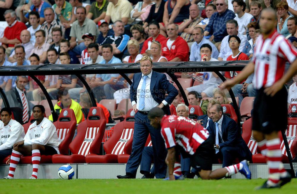 17-09-2006 VOETBAL: PSV - FEYENOORD: EINDHOVEN <br /> PSV verslaat in eigen huis Feyenoord met 2-1 / Ronald Koeman<br /> &copy;2006-WWW.FOTOHOOGENDOORN.NL