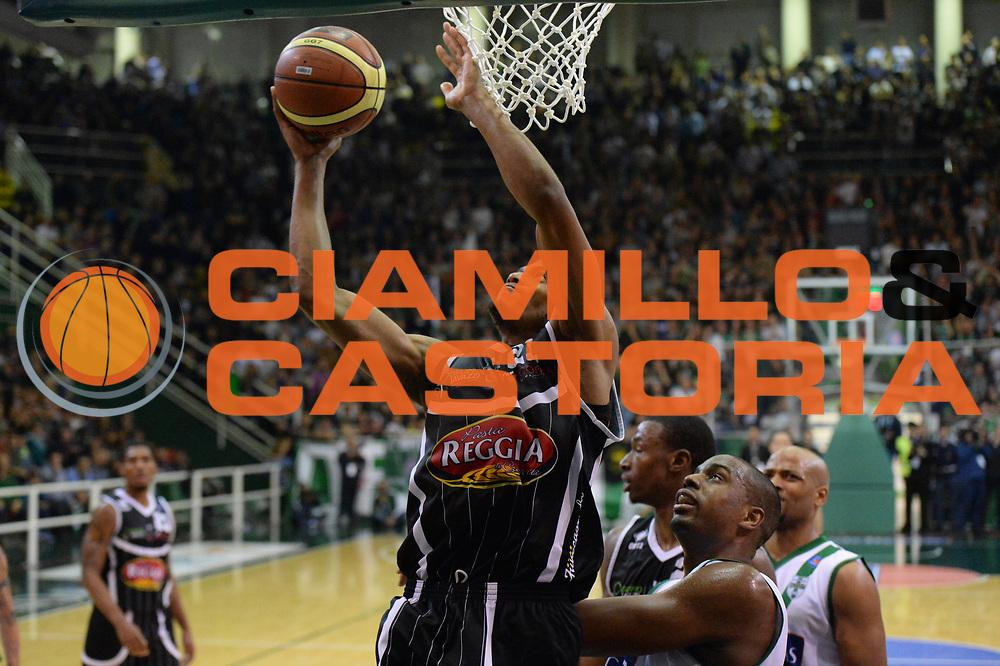DESCRIZIONE : Avellino Lega A 2013-14 Sidigas Avellino-Pasta Reggia Caserta<br /> GIOCATORE : Brooks Jeff<br /> CATEGORIA : gancio<br /> SQUADRA : Pasta Reggia Caserta<br /> EVENTO : Campionato Lega A 2013-2014<br /> GARA : Sidigas Avellino-Pasta Reggia Caserta<br /> DATA : 16/11/2013<br /> SPORT : Pallacanestro <br /> AUTORE : Agenzia Ciamillo-Castoria/GiulioCiamillo<br /> Galleria : Lega Basket A 2013-2014  <br /> Fotonotizia : Avellino Lega A 2013-14 Sidigas Avellino-Pasta Reggia Caserta<br /> Predefinita :
