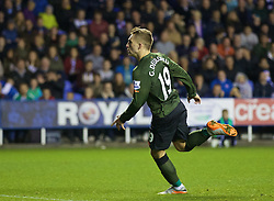 READING, ENGLAND - Tuesday, September 22, 2015: Everton's Gerard Deulofeu celebrates scoring the winning second goal against Reading during the Football League Cup 3rd Round match at the Madejski Stadium. (Pic by David Rawcliffe/Propaganda)