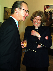 LORD & LADY FELLOWES, she is the sister of the late Diana, Princess of Wales, at a party in London on 11th October 1999.MXK 12
