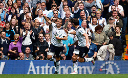 18.09.2010, White Hart Lane, London, ENG, PL, Tottenham Hotspur vs Wolverhampton Wanderers, im Bild Tottenham's Rafael van der Vaart celebrates with Tottenham's Gareth Bale. EXPA Pictures © 2010, PhotoCredit: EXPA/ IPS/ Kieran Galvin +++++ ATTENTION - OUT OF ENGLAND/UK +++++ / SPORTIDA PHOTO AGENCY