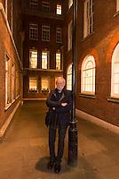 Spanish writer Eduardo Mendoza has received the Cervantes literary prize, the highest in Spanish literature, on November 30th 2016 in London. <br /> Eduardo Mendoza ha recibido el premio Cervantes en Londres