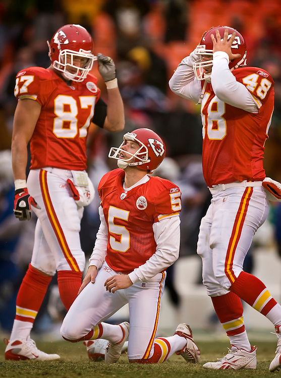 Kansas City Chiefs kicker Conner Barth, center, along with tight end Brad Cottam, left, and snapper Thomas Gafford, right, watched Barth's game-ending 50-yard field goal attempt sail wide left as the Chiefs lost 22-21 in a stunner to the San Diego Chargers on Sunday, December, 14, 2008 at Arrowhead Stadium.