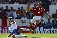 Fotball<br /> Euro 2004<br /> 14.06.2004<br /> Foto: Dppi/Digitalsport<br /> NORWAY ONLY<br /> <br /> Danmark v Italia<br /> <br /> DENNIS ROMMEDAHL (DEN) / GIANLUCA ZAMBROTTA (ITA)