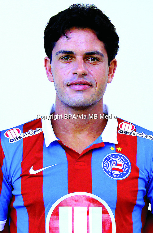 Leandro Fahel Matos  ( Esporte Clube Bahia )
