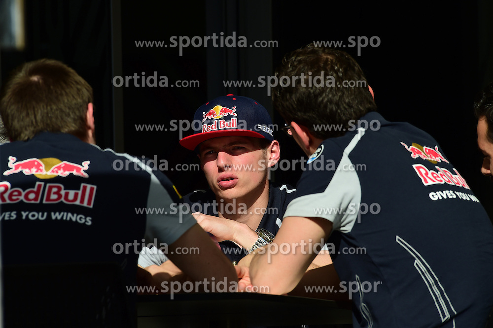 03.04.2016, International Circuit, Sakhir, BHR, FIA, Formel 1, Grand Prix von Bahrain, Rennen, im Bild Max Verstappen (NED) Scuderia Toro Rosso // during Race for the FIA Formula One Grand Prix of Bahrain at the International Circuit in Sakhir, Bahrain on 2016/04/03. EXPA Pictures &copy; 2016, PhotoCredit: EXPA/ Sutton Images<br /> <br /> *****ATTENTION - for AUT, SLO, CRO, SRB, BIH, MAZ only*****