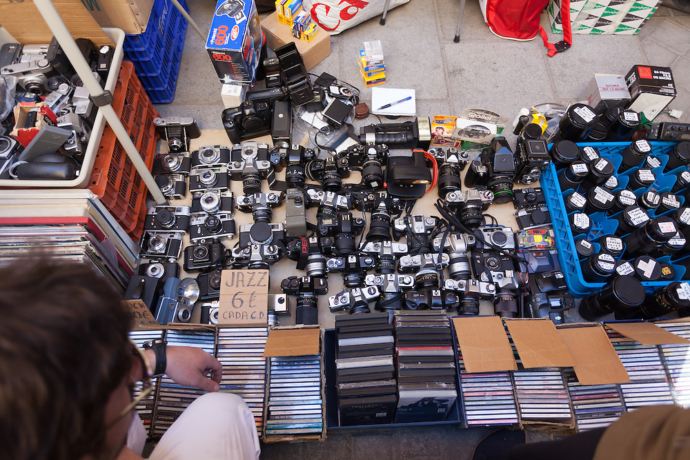 http://Duncan.co/cameras-at-flea-market