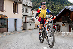 10-09-2017 FRA: BvdGF Tour du Mont Blanc day 1, Beaufort <br /> Vandaag vertrekken we vanuit Papendal in Arnhem naar naar het plaatsje Beaufort (nabij Chamonix) in Frankrijk / John
