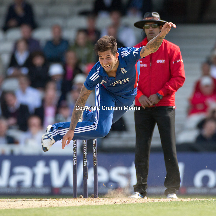 Jade Dernbach bowls during the third NatWest Series one day international between England and South Africa at the Kia Oval, London. Photo: Graham Morris (Tel: +44(0)20 8969 4192 Email: sales@cricketpix.com) 31/08/12