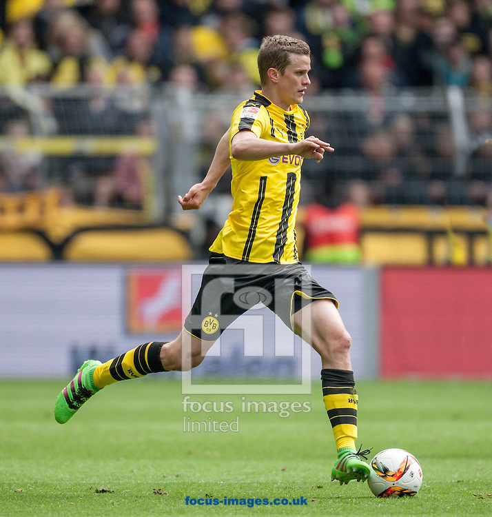 Sven Bender of Borussia Dortmund during the Bundesliga match at Signal Iduna Park, Dortmund<br /> Picture by EXPA Pictures/Focus Images Ltd 07814482222<br /> 14/05/2016<br /> ***UK &amp; IRELAND ONLY***<br /> EXPA-EIB-160515-0076.jpg