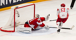 09.05.2013, Globe Arena, Stockholm, SWE, IIHF, Eishockey WM, Tschechische Republik vs Daenemark, im Bild Czech Republic (Tjeckien) 31 Goalkeeper Ondrej Pavelec saves a penalty shoot, Denmark 13 Morten Green // during the IIHF Icehockey World Championship Game between Czech Republic and Denmark at the Ericsson Globe, Stockholm, Sweden on 2013/05/09. EXPA Pictures © 2013, PhotoCredit: EXPA/ PicAgency Skycam/ Johan Andersson..***** ATTENTION - OUT OF SWE *****