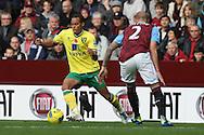 Picture by Paul Chesterton/Focus Images Ltd.  07904 640267.5/11/11.Elliott Bennett of Norwich and Alan Hutton of Aston Villa in action during the Barclays Premier League match at Villa Park stadium, Birmingham.