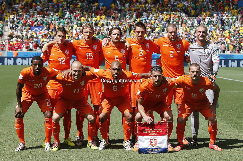 29.06.2014. Fortaleza, Brazil.  Netherlandss players pose for a group photo during a Round of 16 match between Netherlands and Mexico of 2014 FIFA World Cup at the Estadio Castelao Stadium in Fortaleza, Brazil, on June 29, 2014.