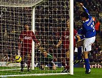 Fotball<br /> Premier League 2004/2005<br /> Foto: BPI/Digitalsport<br /> NORWAY ONLY<br /> <br /> 06/11/2004 Liverpool v Birmingham City<br /> <br /> Darren Anderton scores the winning goal