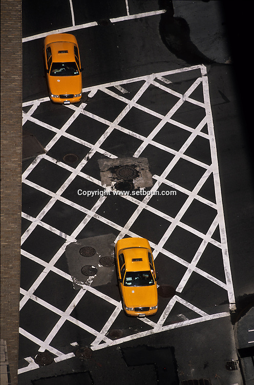 New York. elevated view onthe sixth avenue intersection  Times square area   United States / la 6 em avenue intersection vue d'en haut  MANHATTAN  New york  Etats unis