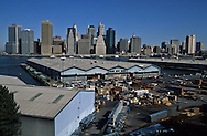 New York. port and docks . Brooklyn Height view on Manhattan skyline,New York  Usa   /  le port et les docks de Brooklyn Heights avec vue sur Manhattan New York