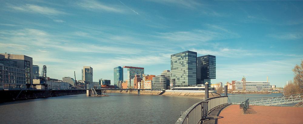 Hafenpanorama Medienhafen Düsseldorf, Deutschland