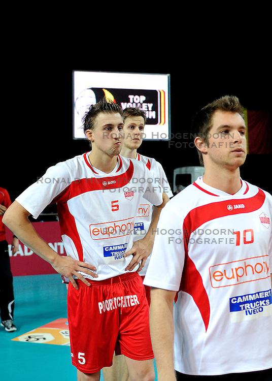 12-02-2012 VOLLEYBAL: BEKERFINALE EUPHONY ASSE LENNIK - NOLIKO MAASEIK: ANTWERPEN<br /> Noliko Maaseik wint vrij eenvoudig de beker van Belgie. In de finale waren zij met 25-21 25-18 en 25-19 te sterk voor Asse Lennik / Michael Olieman<br /> &copy;2012-FotoHoogendoorn.nl