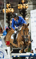21.09.2013, Rathausplatz, Wien, AUT, Global Champions Tour, Vienna Masters, Springreiten (1.60 m), 2. Durchgang im Bild Gerco Schroeder (NED) auf London on 1st place // during Vienna Masters of Global Champions Tour, International Jumping Competition (1.60 m), second round at Rathausplatz in Vienna, Austria on 2013/09/21. EXPA Pictures © 2013 PhotoCredit: EXPA/ Michael Gruber