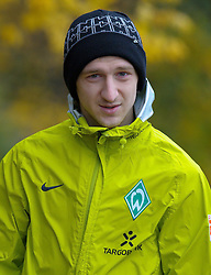 09.11.2010, Platz 5, Bremen, GER, Training Werder Bremen, im Bild  Marko Marin ( Werder #10 ) Marko Marin ( Werder #10 )   EXPA Pictures © 2010, PhotoCredit: EXPA/ nph/  Kokenge+++++ ATTENTION - OUT OF GER +++++