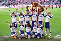 Fussball  1. Bundesliga  Saison 2016/2017  24. Spieltag  FC Bayern Muenchen - Eintracht Frankfurt     11.03.2017 Gruppenbild der Goodyear Einlauf-Kinder mit FCB Maskottchen Berni