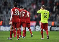 FUSSBALL   CHAMPIONS LEAGUE   SAISON 2010/2011   GRUPPE  E 08.12.2010 FC Bayern  Muenchen  - FC Basel Bastian Schweinsteiger im Trikot von Alexander Frei (FC Basel)
