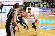 DESCRIZIONE: Varese Lega A 2015/16 <br /> Openjobmetis Varese vs Obiettivo Lavoro Bologna<br /> GIOCATORE: Roko Ukic<br /> CATEGORIA: palleggio<br /> SQUADRA: Openjobmetis Varese<br /> EVENTO: Campionato Lega A 2015-2016<br /> GARA: Openjobmetis Varese Obiettivo Lavoro Bologna<br /> DATA: 22/11/2015<br /> SPORT: Pallacanestro<br /> AUTORE: Agenzia Ciamillo-Castoria/A. Ossola<br /> Galleria: Lega Basket A 2015-2016<br /> Fotonotizia: Varese Lega A 2015-16 <br /> Openjobmetis Varese Obiettivo Lavoro Bologna