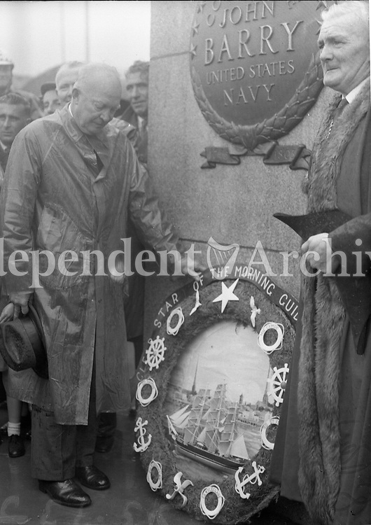 President Eisenhower laying wreath at the John Barry Memorial Wexford with the Mayor of Wexford, 23/08/1962.<br />  R3317 <br />  (Part of the Independent Newspapers Ireland/NLI Collection).