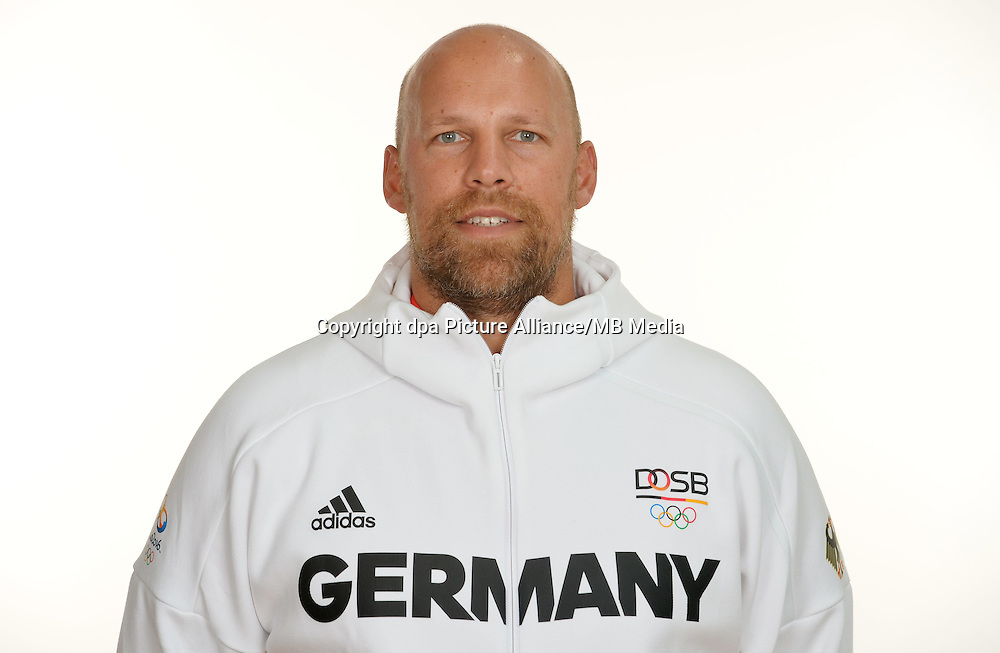 Axel Kromer poses at a photocall during the preparations for the Olympic Games in Rio at the Emmich Cambrai Barracks in Hanover, Germany. July 27, 2016. Photo credit: Frank May/ picture alliance. | usage worldwide