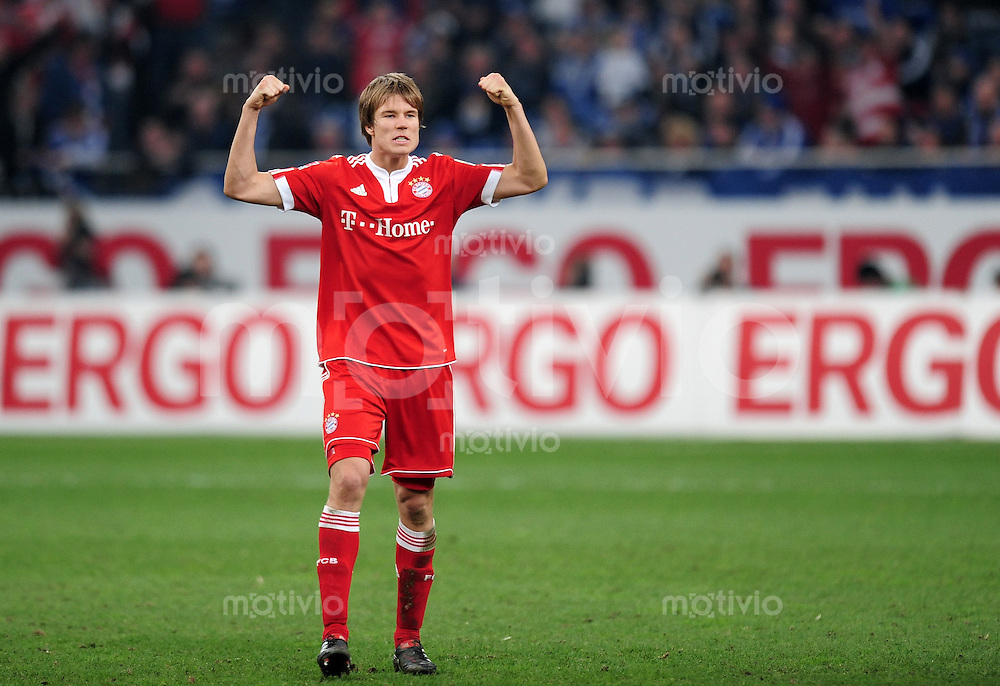 Fussball 1. Bundesliga:  Saison   2009/2010   29. Spieltag   Schalke 04 - FC Bayern Muenchen    03.04.2010 Holger Badstuber (FCB)