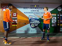 LUCKNOW (India) -  Terrance Pieters (NED) met Jorrit Croon (NED)  voor de oefenwedstrijd tegen Korea voor de Junior  World Cup hockey men . COPYRIGHT KOEN SUYK