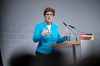 30 NOV 2018, BERLIN/GERMANY:<br /> Annegret Kramp-Karrenbauer, CDU Generalsekretaerin, haelt eine Rede, waehrend der Regionalkonferenz der CDU zur Vorstellung der Kandidaten fuer das Amt des Bundesvorsitzenden der CDU, Estrell Convention Center<br /> IMAGE: 20181130-01-030