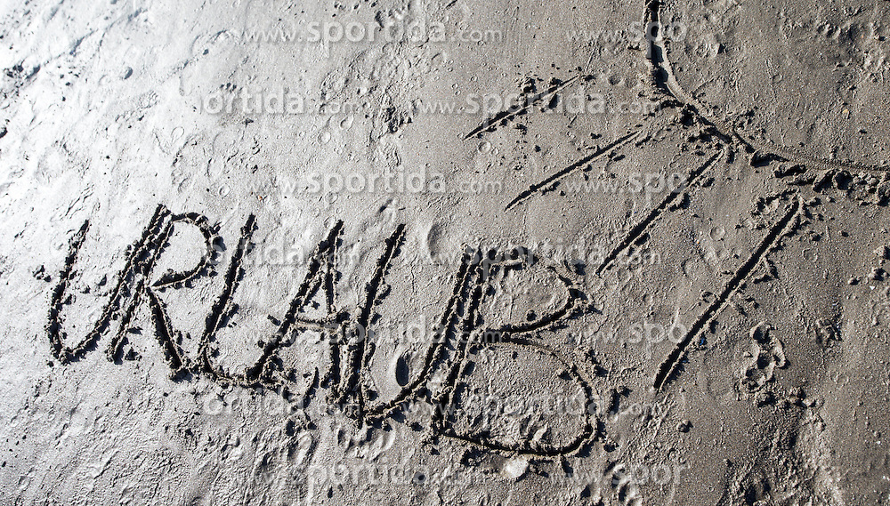 "SYMBOLBILD - der Schriftzug ""Urlaub"" in Sand geschrieben, aufgenommen am 23.08.2015 in Caorle, Italien // the lettering ""Urlaub"" written in sand in Caorle, Italia on 2015/08/23. EXPA Pictures © 2015, PhotoCredit: EXPA/ Jakob Gruber"