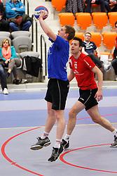 16-03-2012 VOLLEYBAL: A-League Play - Out HEREN FUSION ROTTERDAM - ZALSMAN REFLEX KAMPEN: ROTTERDAM<br /> Martijn Ubels, blauw, Ronald Buis, rood Zalsman Reflex Kampen <br /> ©2012-FotoHoogendoorn.nl / Pim Waslander