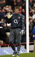 Photo: Chris Ratcliffe.<br />Arsenal v Blackburn Rovers. The Barclays Premiership.<br />26/11/2005.<br />Jens Lehmann Warming up