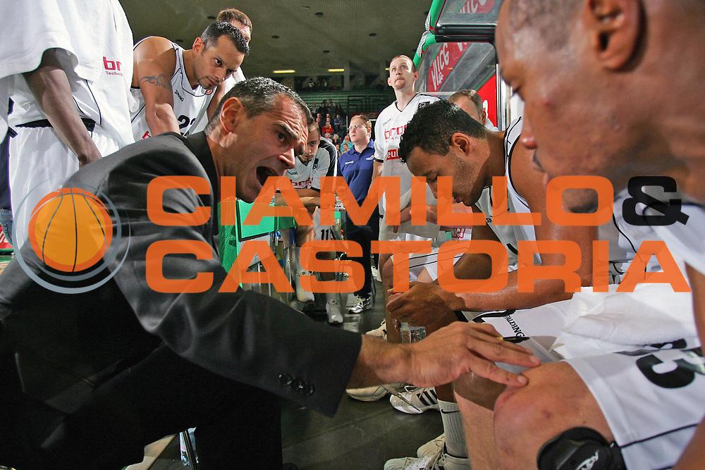 DESCRIZIONE : TREVISO EUROLEGA EUROLEAGUE 2005-2006 <br /> GIOCATORE : TEAM BAMBERG-TIMEOUT <br /> SQUADRA : BAMBERG <br /> EVENTO : EUROLEGA EUROLEAGUE 2005-2006 <br /> GARA : TREVISO-BAMBERG <br /> DATA : 03/11/2005 <br /> CATEGORIA : <br /> SPORT : Pallacanestro <br /> AUTORE : Agenzia Ciamillo-Castoria/S.Silvestri