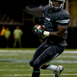 Sep 7, 2013; New Orleans, LA, USA; Tulane Green Wave running back Orleans Darkwa (26) during the second half of a game against the South Alabama Jaguars at the Mercedes-Benz Superdome. South Alabama defeated Tulane 41-39. Mandatory Credit: Derick E. Hingle-USA TODAY Sports