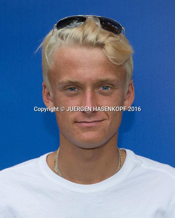 NICOLA KUHN (ESP) Junior Boys, privat, Portrait<br /> <br /> Tennis - Wimbledon 2016 - Grand Slam ITF / ATP / WTA -  AELTC - London -  - Great Britain  - 3 July 2016.