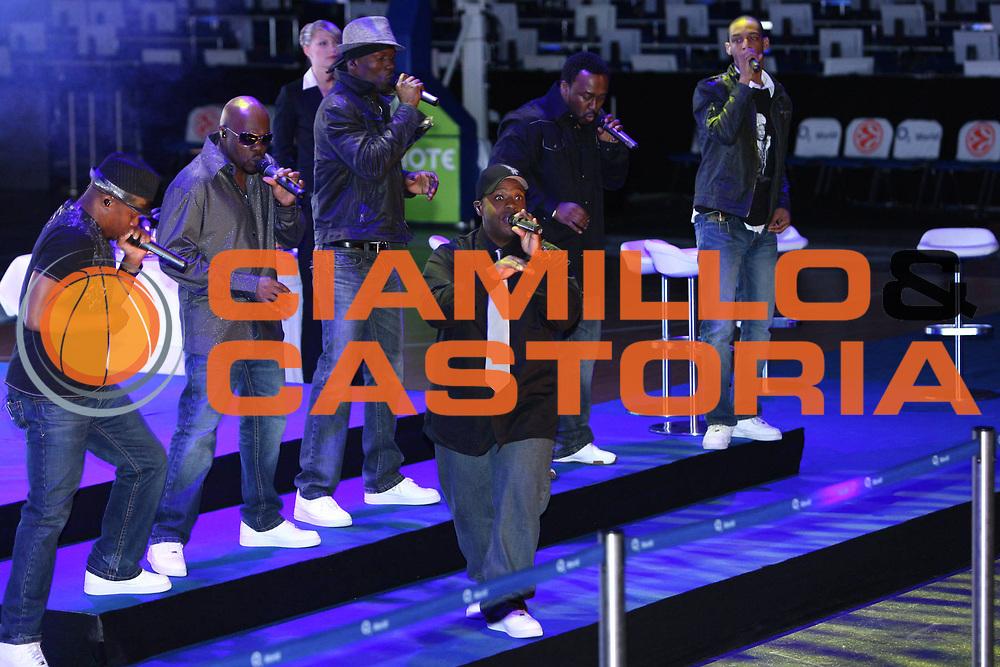 DESCRIZIONE : Berlino Eurolega 2008-09 Final Four Euroleague Gala Dinner Cena di Gala Basketball Awards Ceremony<br /> GIOCATORE : show<br /> SQUADRA : <br /> EVENTO : Eurolega 2008-2009<br /> GARA :<br /> DATA : 02/05/2009<br /> CATEGORIA : Ritratto Premiazione<br /> SPORT : Pallacanestro<br /> AUTORE : Agenzia Ciamillo-Castoria/G.Ciamillo