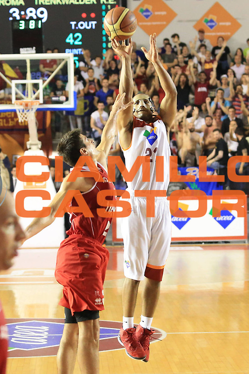 DESCRIZIONE : Roma Lega A 2012-2013 Acea Roma Trenkwalder Reggio Emilia playoff quarti di finale gara 7<br /> GIOCATORE : Jordan Taylor<br /> CATEGORIA : three points<br /> SQUADRA : Acea Roma<br /> EVENTO : Campionato Lega A 2012-2013 playoff quarti di finale gara 7<br /> GARA : Acea Roma Trenkwalder Reggio Emilia<br /> DATA : 21/05/2013<br /> SPORT : Pallacanestro <br /> AUTORE : Agenzia Ciamillo-Castoria/M.Simoni<br /> Galleria : Lega Basket A 2012-2013  <br /> Fotonotizia : Roma Lega A 2012-2013 Acea Roma Trenkwalder Reggio Emilia playoff quarti di finale gara 7<br /> Predefinita :