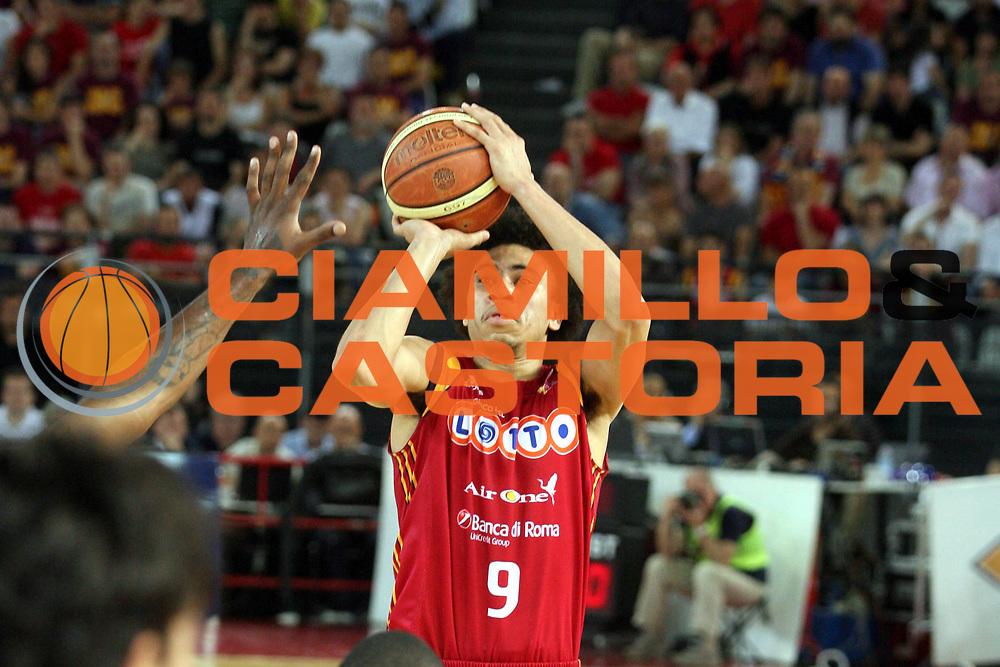 DESCRIZIONE : Roma Lega A1 2007-08 Playoff Semifinale Gara 3 Lottomatica Virtus Roma Air Avellino<br />GIOCATORE : Ibrahim Jaaber<br />SQUADRA : Lottomatica Virtus Roma<br />EVENTO : Campionato Lega A1 2007-2008 <br />GARA : Lottomatica Virtus Roma Air Avellino<br />DATA : 27/05/2008 <br />CATEGORIA : Tiro<br />SPORT : Pallacanestro <br />AUTORE : Agenzia Ciamillo-Castoria/G.Ciamillo