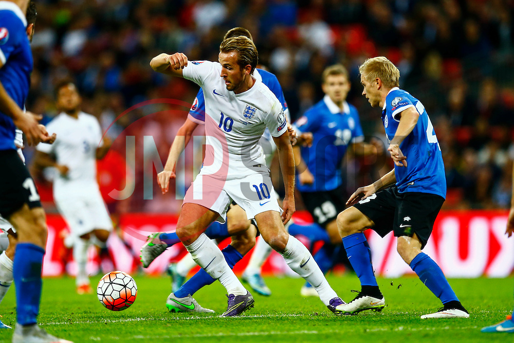Harry Kane of England puts Estonia under pressure - Mandatory byline: Jason Brown/JMP - 07966 386802 - 09/10/2015- FOOTBALL - Wembley Stadium - London, England - England v Estonia - Euro 2016 Qualifying - Group E