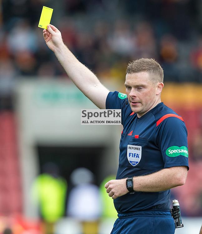Referee John Beaton during the Scottish Premiership match between Partick Thistle and Celtic (c) ROSS EAGLESHAM | Sportpix.co.uk