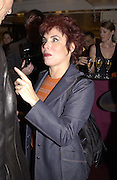 Ruby Wax. Charity sale of the last ever sale at Asprey and Garrard. New Bond St. London. 15/1/02© Copyright Photograph by Dafydd Jones 66 Stockwell Park Rd. London SW9 0DA Tel 020 7733 0108 www.dafjones.com