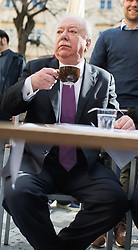 21.03.2017, Innere Stadt, Wien, AUT, Eröffnung der Schanigarten Saison durch Wiens Bürgermeister, im Bild Bürgermeister der Stadt Wien Michael Häupl (SPÖ), EXPA Pictures © 2017, PhotoCredit: EXPA/ Michael Gruber
