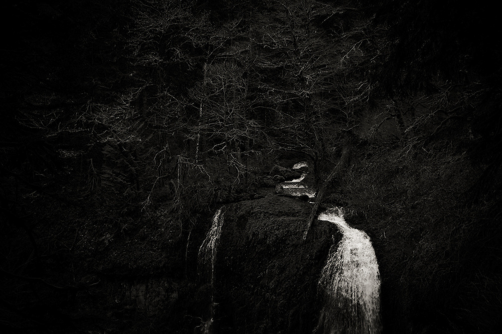 moody toned black and white image of Elowah Falls in the Columbia Gorge